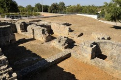 Milreu Roman Ruins by cthoe@wikimedia.org