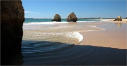 Tres Irmaos Beach Alvor Portugal by guymoll @ flickr.com