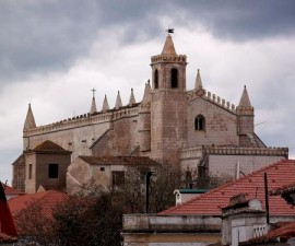 Evora - St Francis Church by Antonio @Wikimedia.org