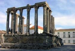Évora -Temple of Diana @Wikimedia.org