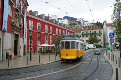 Lisbon - Alfama Neighbourhood Tram by H. Hoffmeister @Wikimedia.org