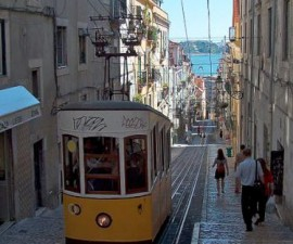 Lisbon - Elevador da Bica by Joao Carvalho @Wikimedia.org