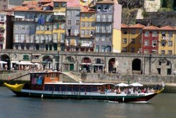 Porto - Douro Valley Boat Trip by Municipio do Porto