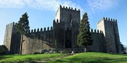 Porto - Trip to Guimares by Filipe Fortes @Wikimedia.org